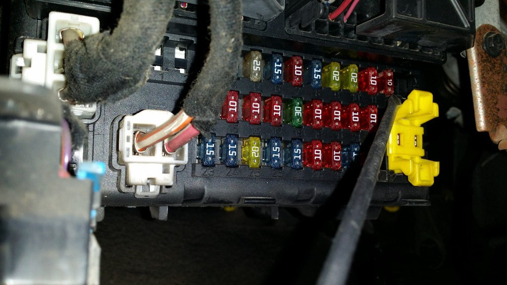 T10748961 Fuse panel diagram 2002 jeep grand in addition Fallo P0702 La Desesperacion Electronica additionally How To Check Fuel System Pressure And Regulator in addition 1998 Ford Mustang 3 8 Fuse Box Diagram in addition P 0900c1528008ab73. on 2000 jeep cherokee power distribution center
